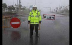 """台风""""山竹""""来袭 广东多地高速封闭"""